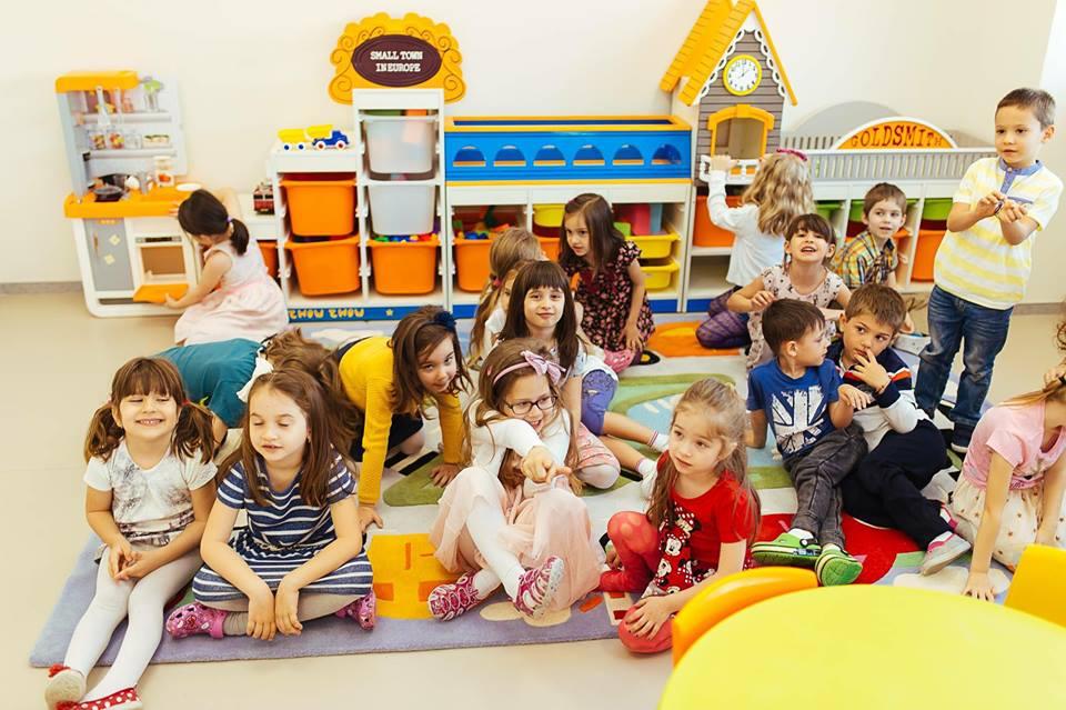 Cum îți ajuți copilul să se acomodeze la grădiniță?